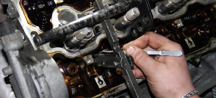 Замена маслосъемных колпачков БМВ