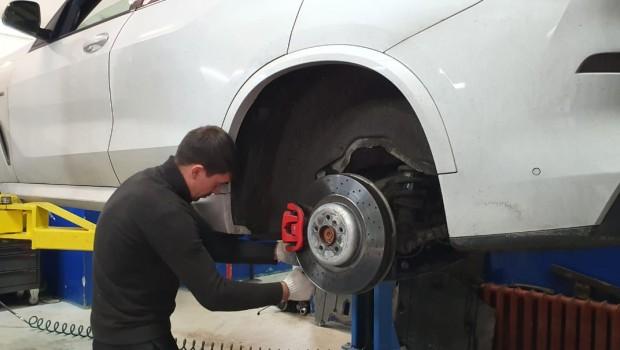 Замена задних колодок BMW Х5 G05